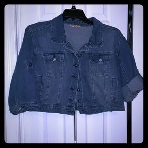 Plus size crop 3/4 sleeve denim jacket